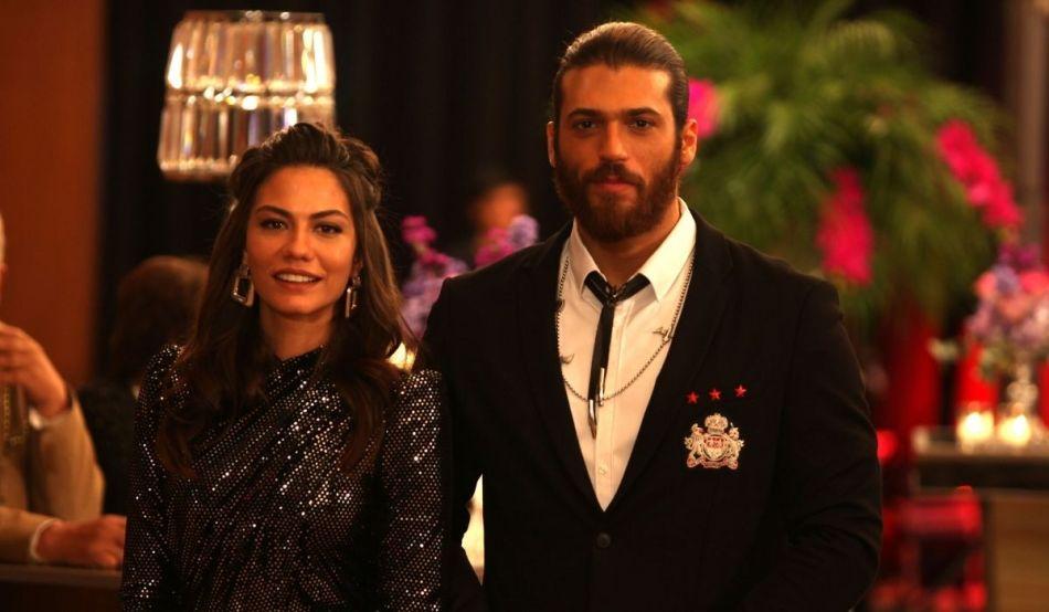 Can e Sanem al matrimonio Di Leyla Ed Emere. Credits: Global Telif Haklari Yapimcilik Tic. A.S./Mediaset