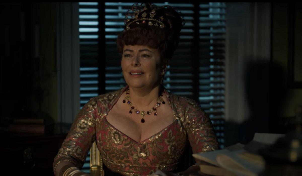 Lady Portia (Polly Walker) dovrà fare i conti con l'erede del Barone Featherington.