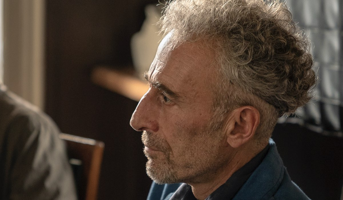 Gaetano Aronica Interpreta Ernesto Ne Il Commissario Montalbano 2021 (Il Metodo Catalanotti). Credits: Duccio Giordano/Rai