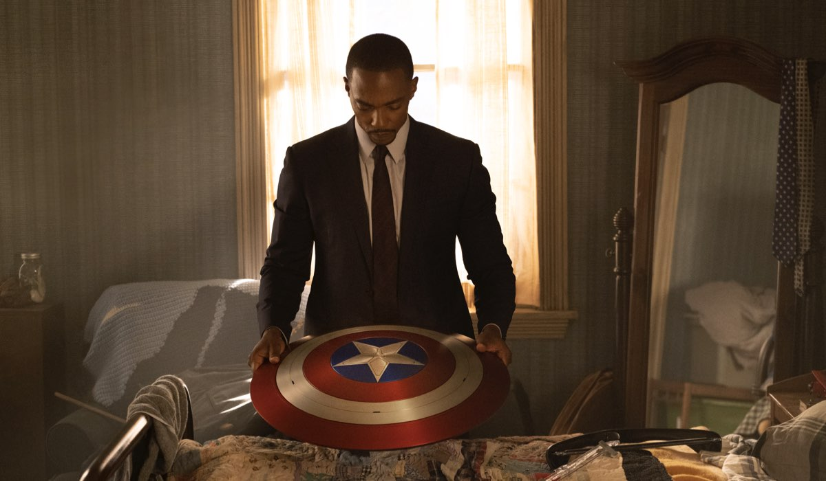 Anthony Mackie è Sam Wilson in The Falcon And The Winter Soldier. Credits: Disney Plus.