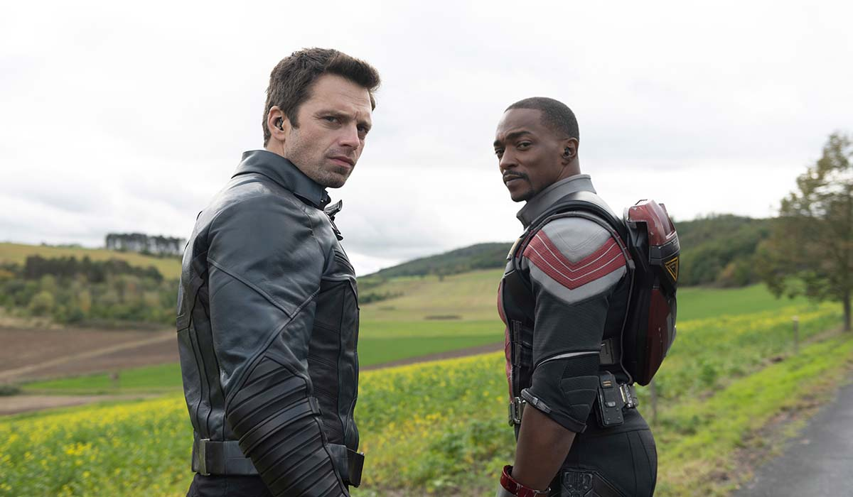 captain america 4 Anthony Mackie e Sebastian Stan nella serie TV The Falcon and the Winter Soldier. Credits: Disney e Marvel Studios.