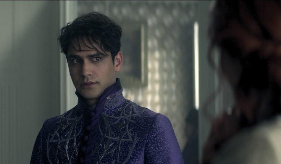 Luke Pasqualino in una scena di Tenebre e Ossa. Credits: Netflix.