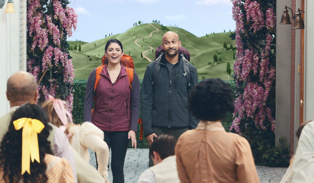 Cecily Strong (Melissa) e Keegan-Michael Key (Josh) In Schmigadoon! Credits: Apple Tv Plus