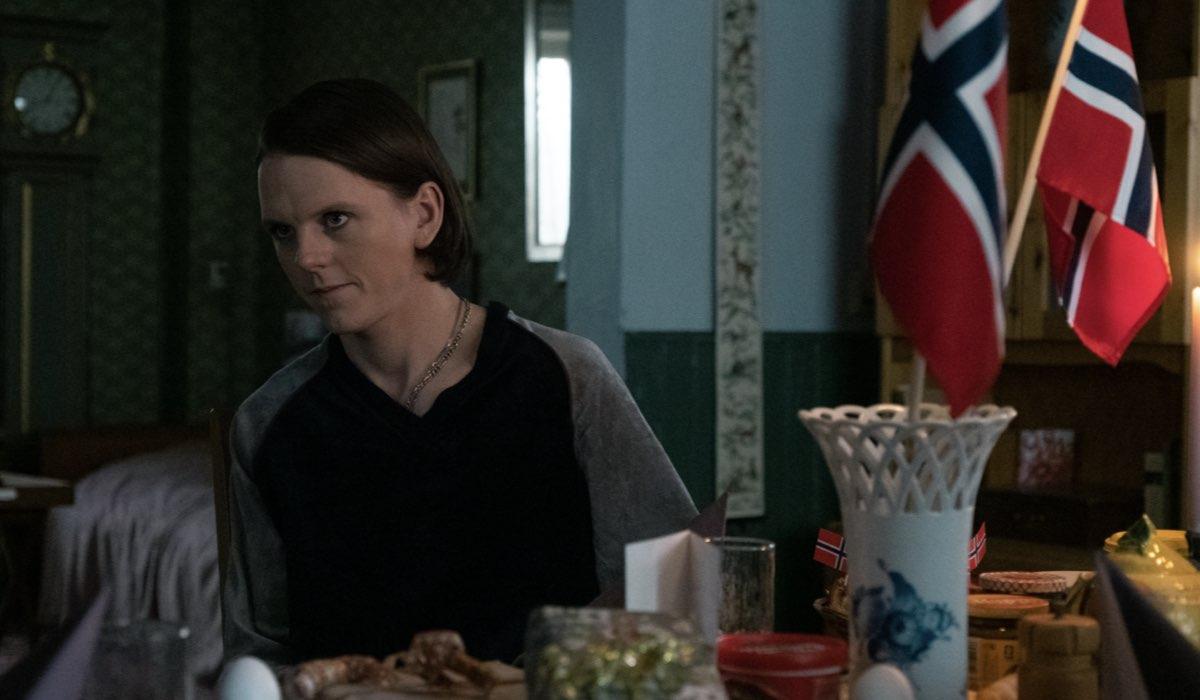 Jonas Strand Gravli (Laurits) in una scena di Ragnarok 2. Credits: Christian Geisnaes/Netflix.