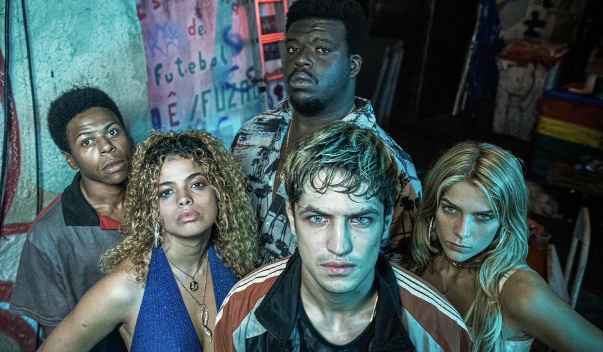 """I protagonisti della serie """"Dom"""", dal 4 giugno su Amazon Prime Video. Credits: Amazon."""