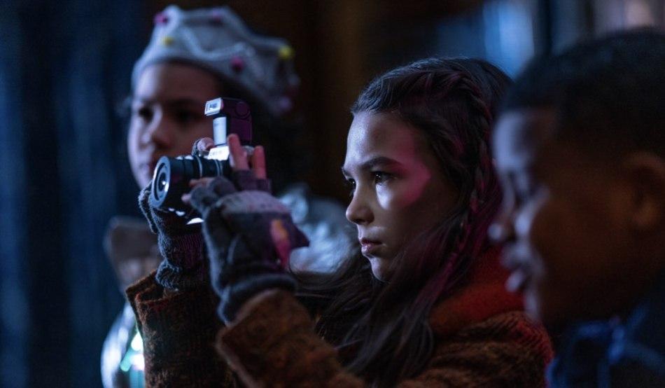 """Hilde (Brooklynn Pierce) in una scena della seconda stagione di """"Home Before Dark"""". Credits: Apple TV+."""