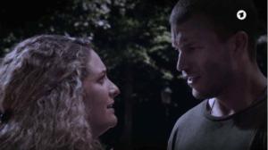 Franzi scopre che Tim è salvo, Tempesta d'amore © ARD (Screenshot)