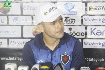 Botafogo 1x0 Autos (53)