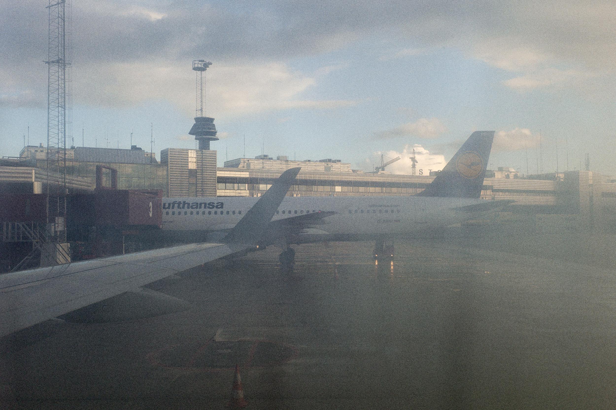 Fotograf_Nicki_Twang_Airports_forside_002