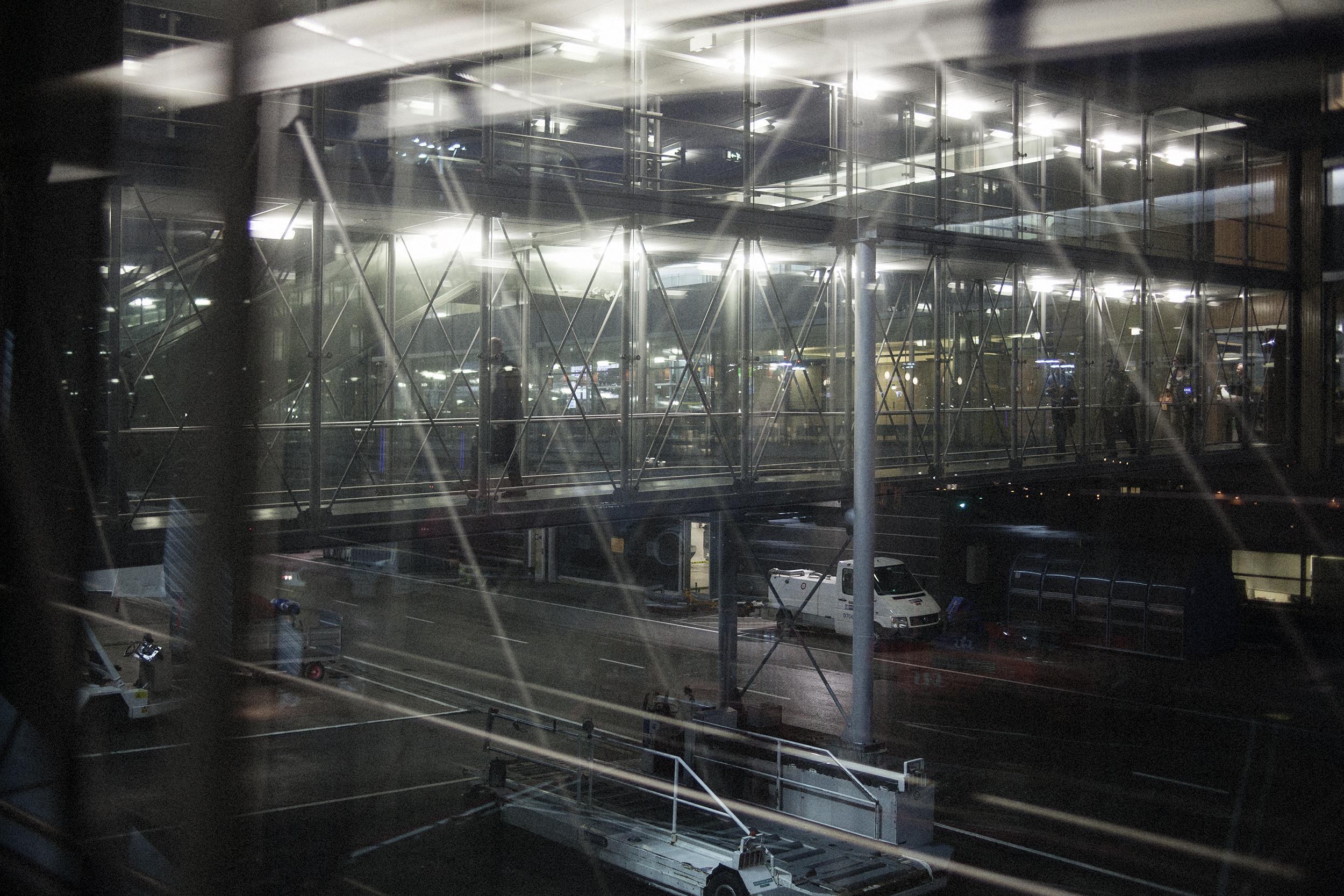 Fotograf_Nicki_Twang_Airports_forside_006