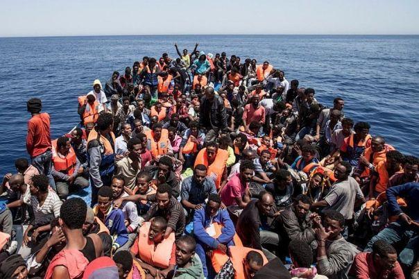 Risultati immagini per Navi ONG e barconi