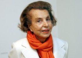 Morta a Parigi Liliane Bettancourt, la donna più ricca del mondo. Aveva ereditato l'Oréal