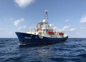 Migranti: l'Italia in pressing (vano) su Malta perchè accolga la Lifeline. E l'Europa si volta dall'altra parte
