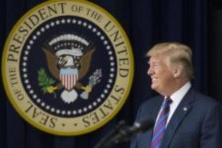 Ue: dazi anti Usa scattati dalla mezzanotte. Colpiti bourbon, moto e jeans