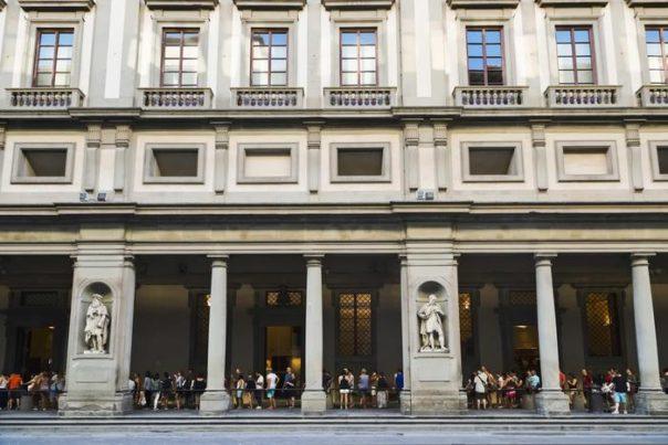 Firenze, cantiere Grandi Uffizi: le gru resteranno all'esterno ancora per 4 anni