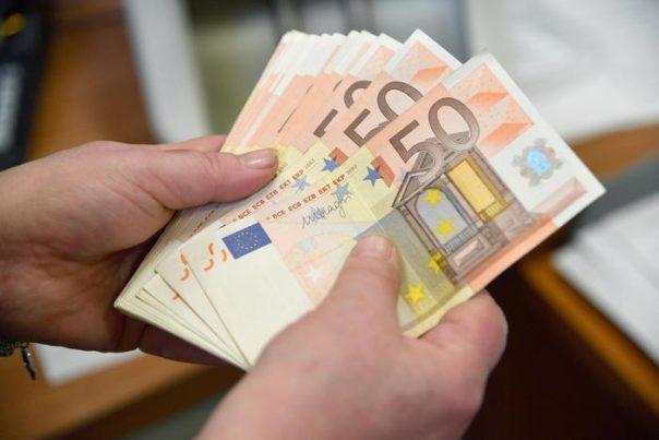 Reddito di cittadinanza: sarà attribuito anche a 164.000 nuclei familiari stranieri