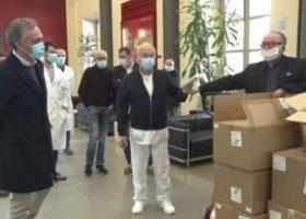 Coronavirus: lunedì 6 aprile l'ordinanza sull'obbligo di mascherine in Toscana. Le distribuiranno i comuni