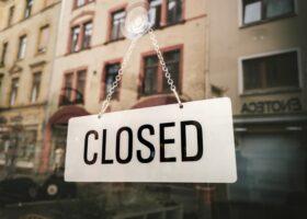 """Regione Toscana chiude esercizi commerciali a Pasqua e Pasquetta. Confesercenti: """"Decisione sbagliata, un colpo alle imprese"""""""