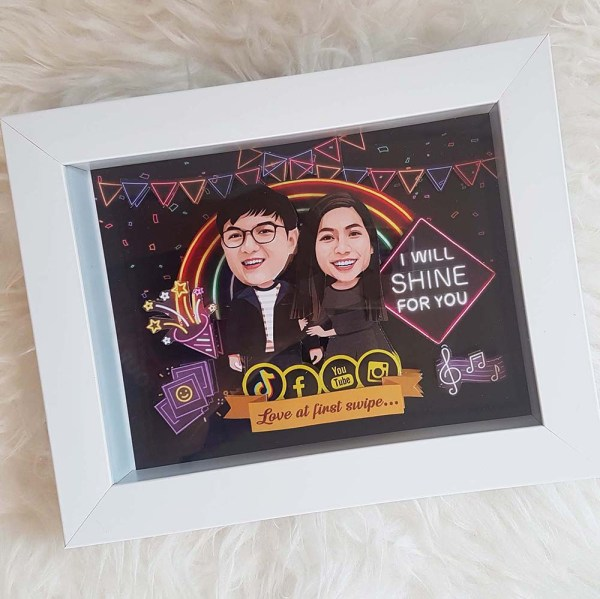 Personalised Photo Gifts Singapore | Caricature 3D Pop-Up Frame