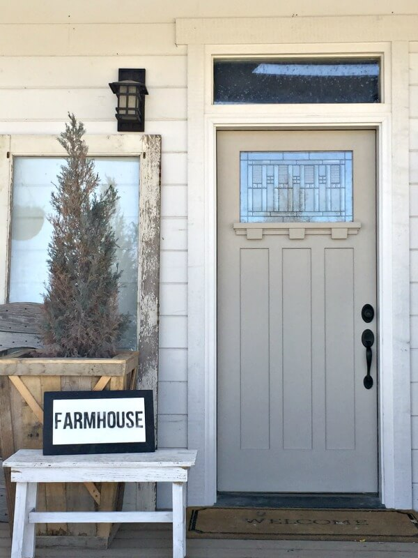 Refresh your front door for spring. True Value paint color Sand Trap was used for the front door. | Twelveonmain.com