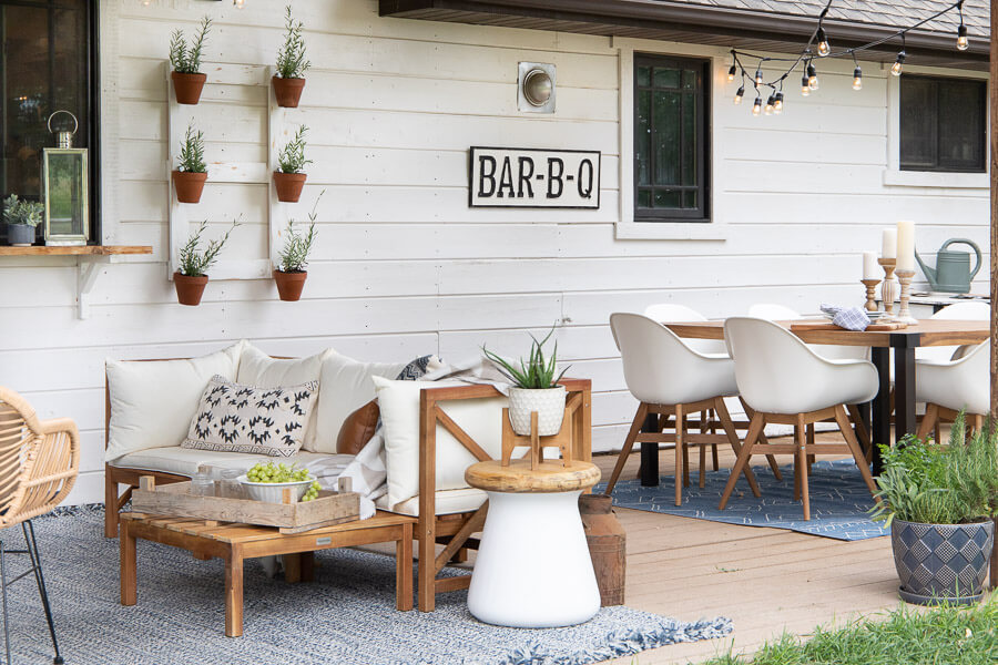 mid century farmhouse outdoor decor