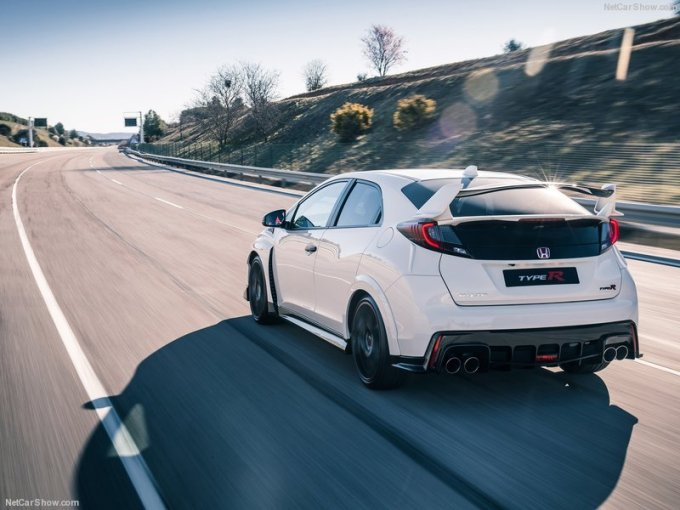 Honda-Civic_Type_R_2015_800x600_wallpaper_03