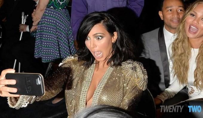 twenty8two-lumee-case-selfie-kim-kardashian