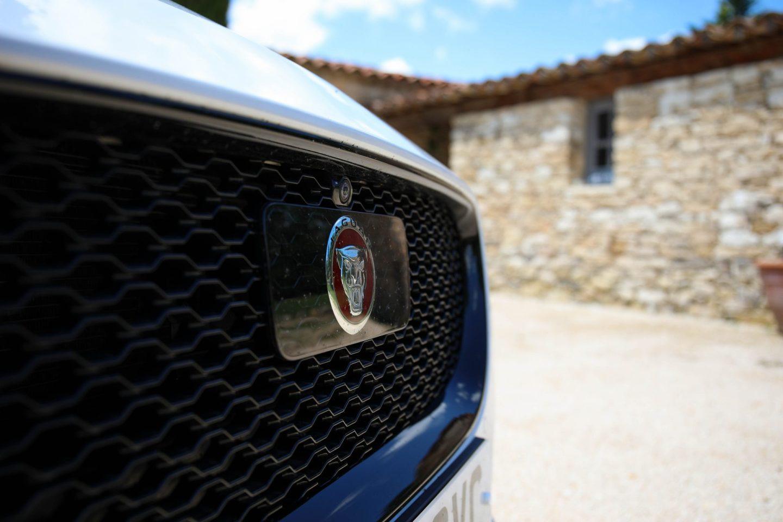 Jaguar XE R Sport