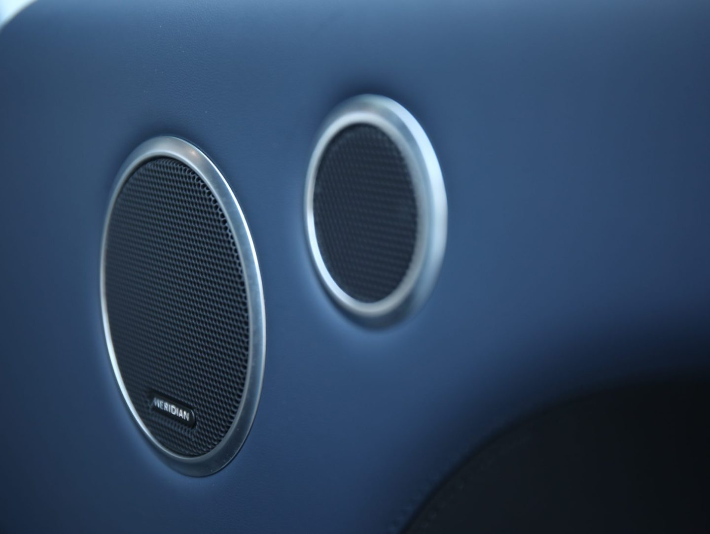Range Rover SDV8 Autobiography Dynamic Meridian Speakers