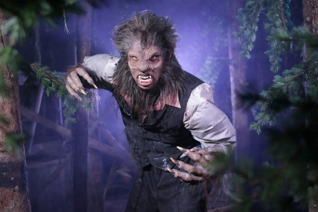 Feral Moon Werewolf-2