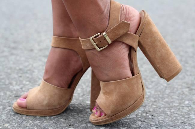 le_chateau_sandals