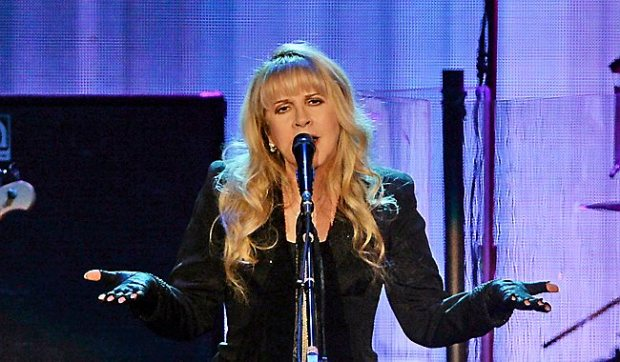 Stevie Nicks with Fleetwood Mac performs at the Target Center on Tuesday, September 30, 2014. (Pioneer Press: John Autey)