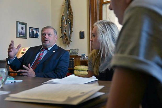 Sen. Majority Leader Tom Bakk meets with students Lily Pylka of Babbitt and Susan Cook of Ely on Wednesday. The students were representing the American Lung Association and talked with Bakk about his stance on tobacco use and e-cigarettes. (Pioneer Press: Scott Takushi)