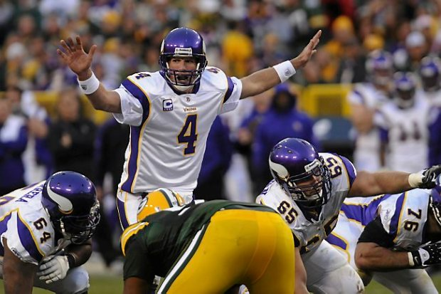 Brett Favre returned to Green Bay and led the Vikings to a 38-26 win over the Packers on November 1, 2009. (Pioneer Press: Scott Takushi)