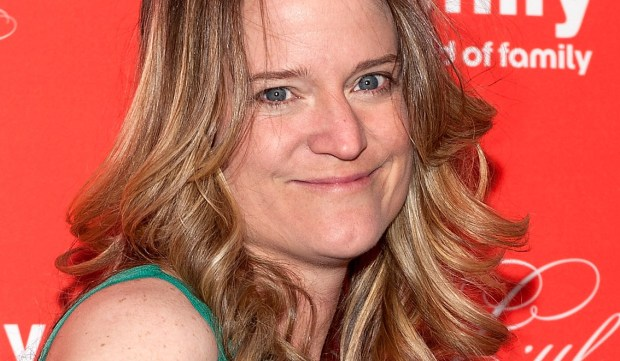 "Author Sara Shepard, who wrote the ""Pretty Little Liars"" and ""The Lying Games"" books is 38. (D Dipasupil/Getty Images)"