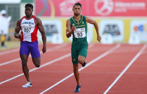 South Africa Wayde van Niekerk (R) runs ahead of Liberia Emmanuel Matadi (L) to the 200m for men final during day 5 of the Confederation of African Athletics (CAA) Championships held in Durban, on June 26, 2016. / AFP / Anesh Debiky (Photo credit should read ANESH DEBIKY/AFP/Getty Images)