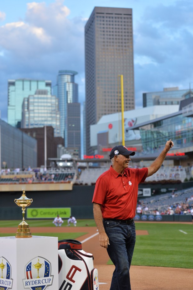 Ryder Cup vice captain Tom Lehman waves to the crowd as he is introduced before the Twins game against Detroit at Target Field on Tuesday, Sept. 20, 2016. (Pioneer Press: John Autey)