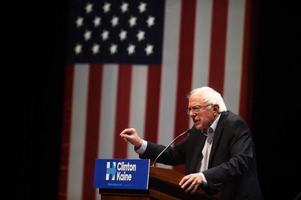Senator Bernie Sanders spoke at the University of Minnesota in Minneapolis, Oct. 4, 2016. (Pioneer Press: Scott Takushi)