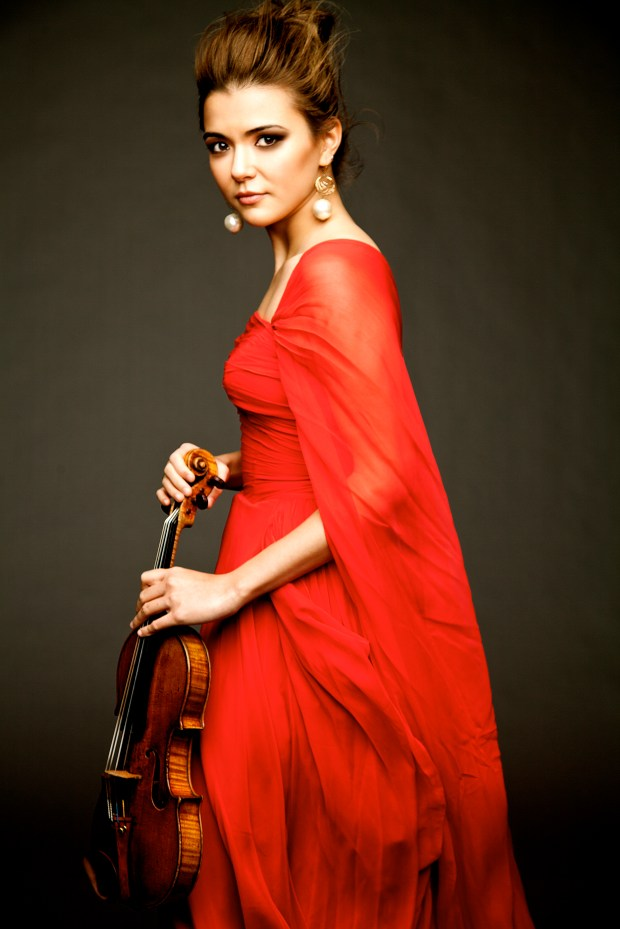 Karen Gomyo is Minnesota Orchestra's featured soloist. (Photo by Gabrielle Revere)