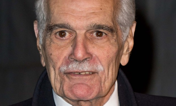 LONDON, UNITED KINGDOM - NOVEMBER 14: Omar Sharif arrives at the Chain Of Hope Annual Ball at Supernova, Embankment Gardens on November 14, 2013 in London, England. (Photo by Zak Hussein/Getty Images)