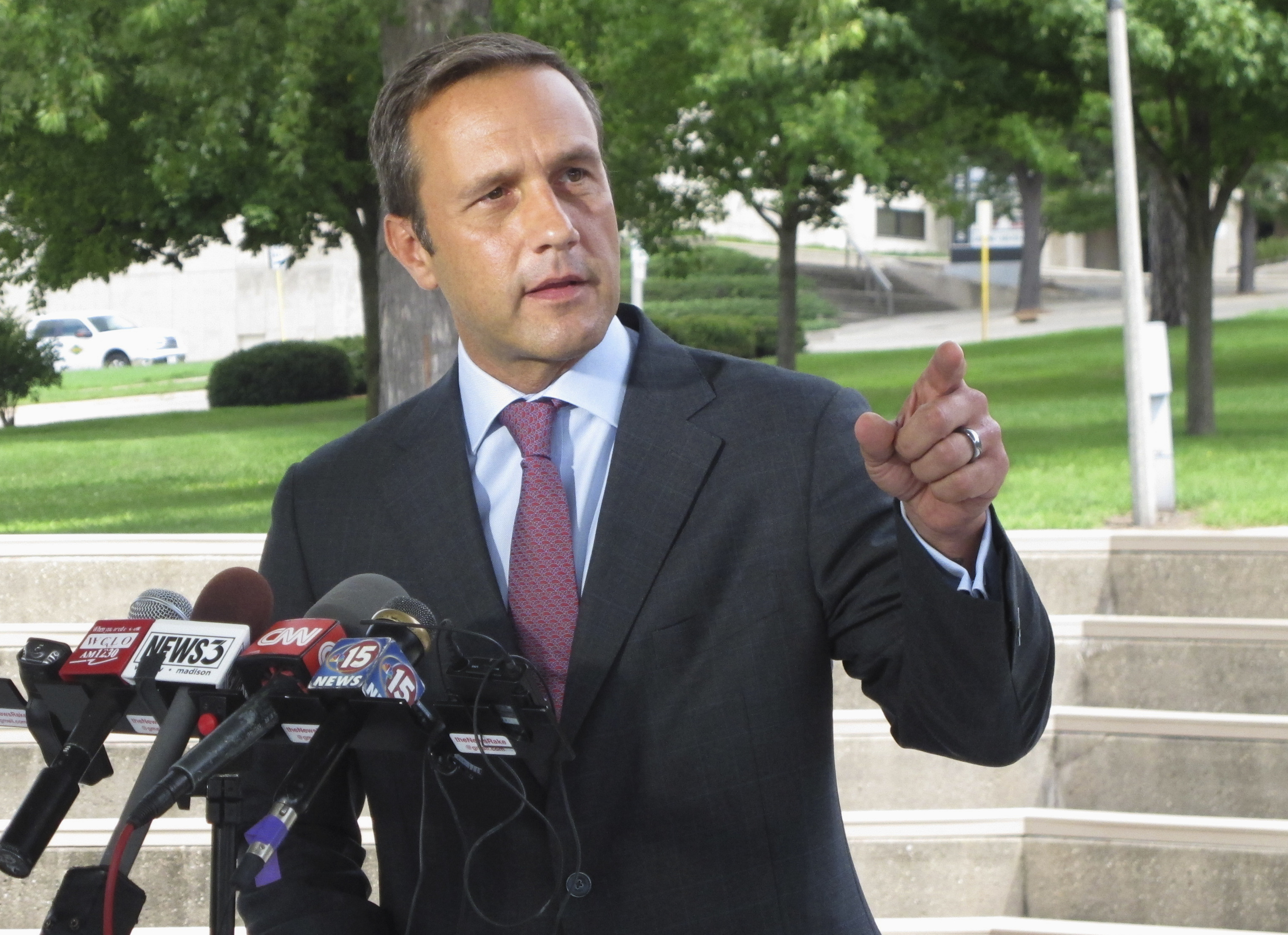 GOP congressional candidate Paul Nehlen banned from Twitter for racist image