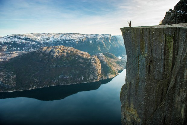 Pulpit Rock (Berge / Knoff / Natural Light / Visitnorway.com)