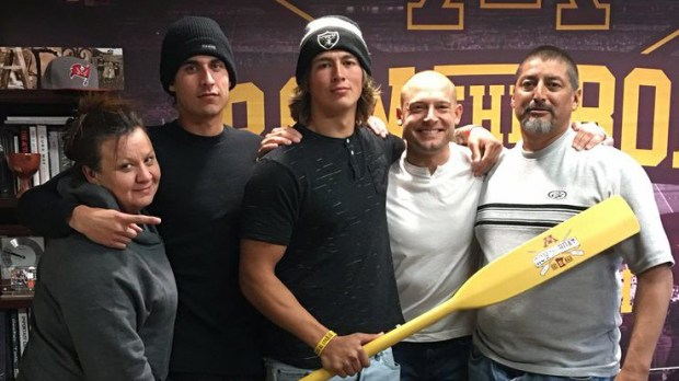 Gophers pledge Vic Viramontes, center, poses for a photos with Minnesota head coach P.J. Fleck during his recruiting visit to Minneapolis last weekend. (Courtesy of Vic Viramontes on Twitter)