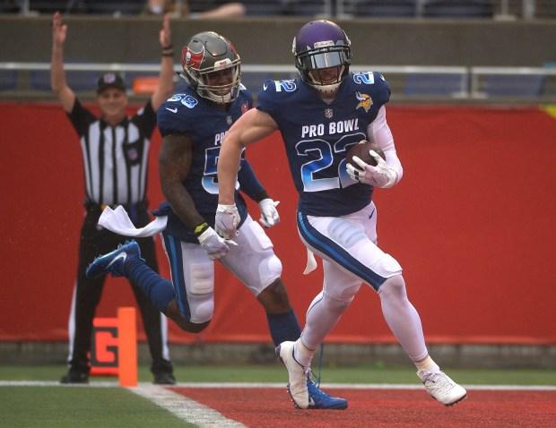 online store 6adef d340e Vikings' Harrison Smith, Adam Thielen score TDs in NFC's Pro ...