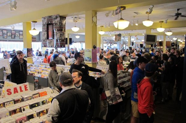 Electric Fetus shoppers on Record Store Day 2017. (Courtesy of Dawn Novak)
