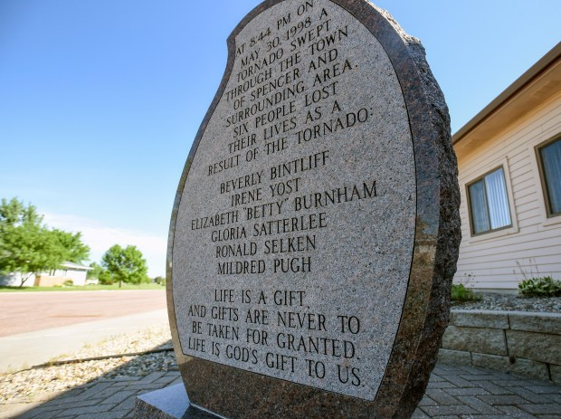 A marker sits outside the Post Office in Spencer with the names of the six people who died in the tornad that struck the town back on May 30, 1998. (Matt Gade / Republic)