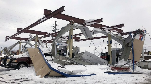 Heavy Snow Causes Upper Midwest Roofs To Collapse Twin