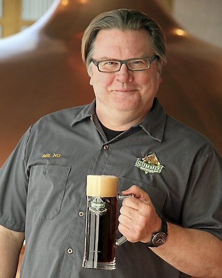 Wolf Center to award Summit Brewery owner 'Leader of the Pack' award at Roseville gala