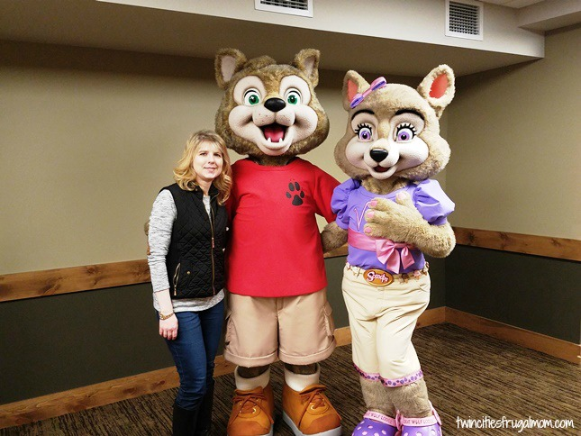 Great Wolf Lodge Bloomington Characters