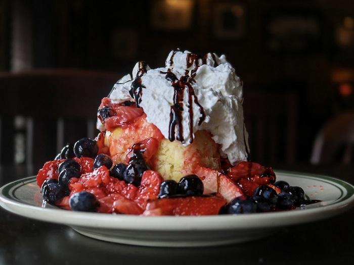 dual berry shortcake